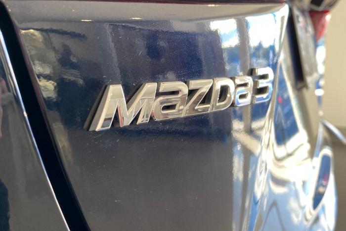 2015 Mazda 3 BM5278 Neo Sedan Image 9