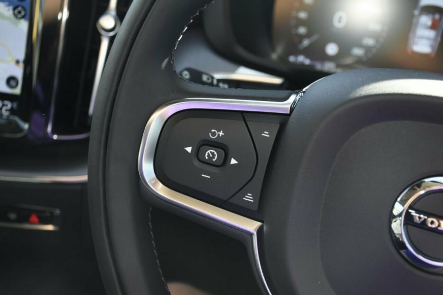 2019 MY20 Volvo XC60 UZ D4 Momentum Suv Image 13