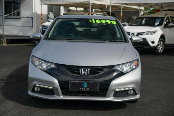 2013 Honda Civic 9th Gen Ser II VTi Sedan image 5
