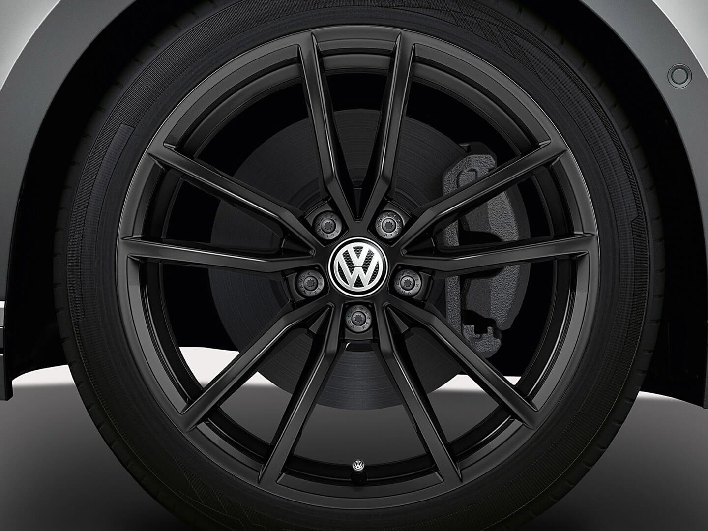 <strong>19-inch Pretoria</strong> alloy wheels Image