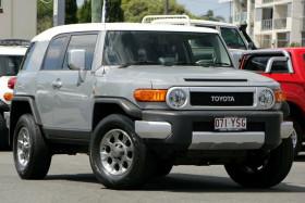 Toyota FJ Cruiser GSJ15R MY14