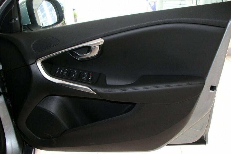 2018 Volvo V40 M Series D4 Inscription Hatchback