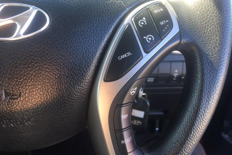2015 Hyundai I30 Image 19