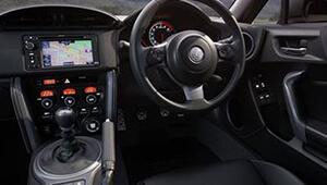 86 Sporty interior