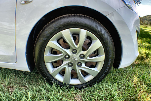 2013 Hyundai I30 GD Active Hatch Image 2
