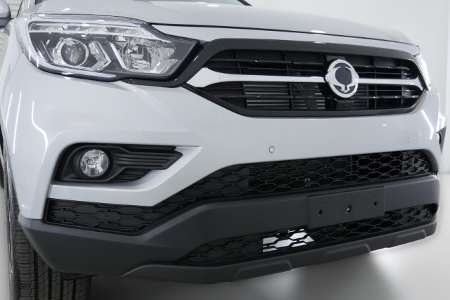2019 SsangYong Musso XLV Ultimate Plus 18 of 26