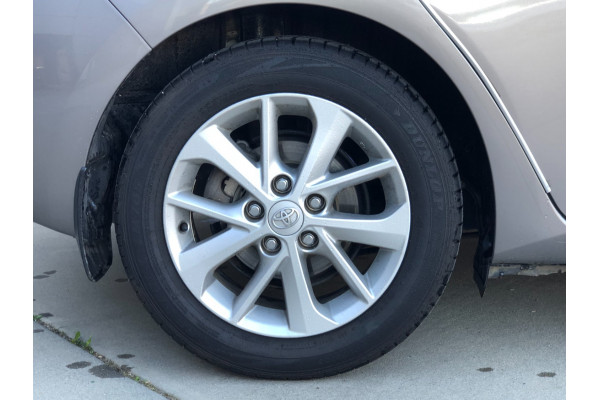 2014 Toyota Corolla ZRE182R ASCENT SPORT Hatchback Image 3