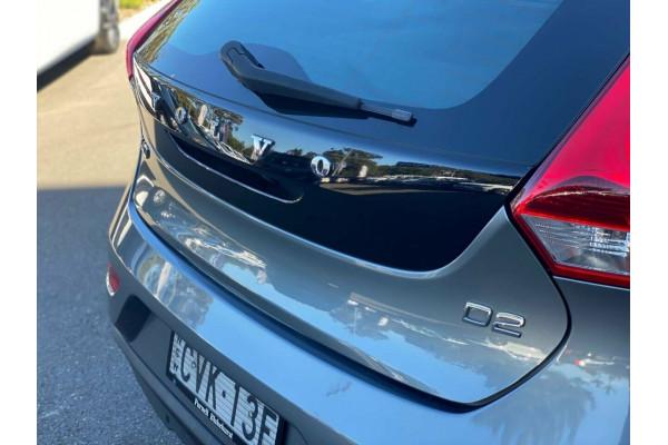 2015 Volvo V40 M Series MY15 D2 PwrShift Kinetic Hatchback Image 5