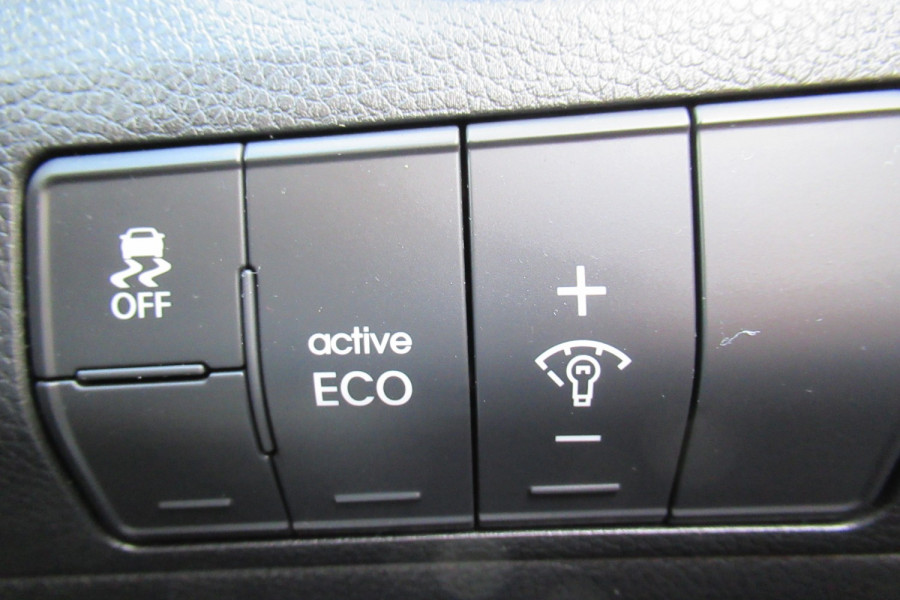 2016 MY17 Hyundai I30 GD4 SERIES II MY17 ACTIVE Hatch Image 16
