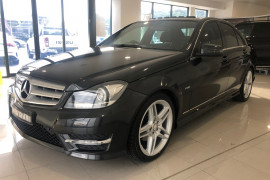 2011 Mercedes-Benz C-class W204 MY11 C250 BlueEFFICIENCY Sedan Image 3