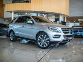 Mercedes-Benz M Class Blue W166 ML350