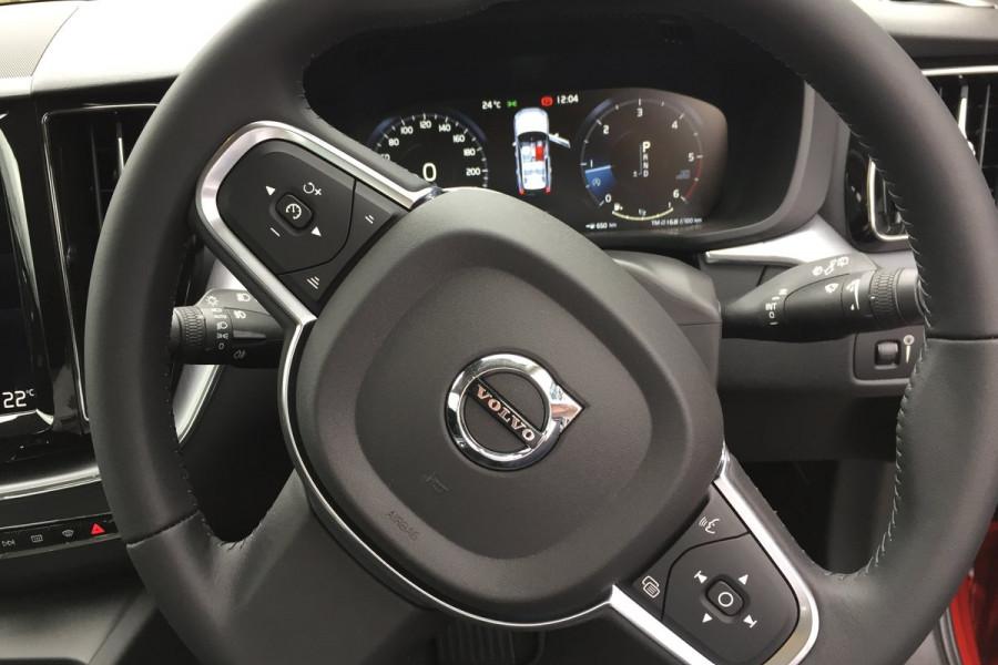 2019 MY20 Volvo XC60 UZ D4 Momentum Suv Image 16
