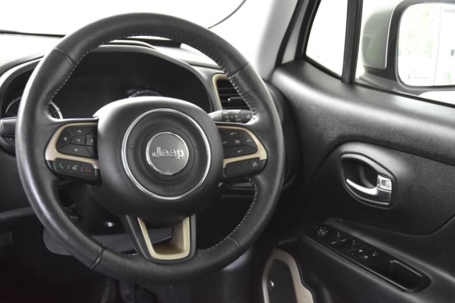 2015 Jeep Renegade BU Limited Hatchback Image 9