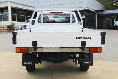 2017 Nissan Navara D23 S2 RX 4x2 Cab chassis