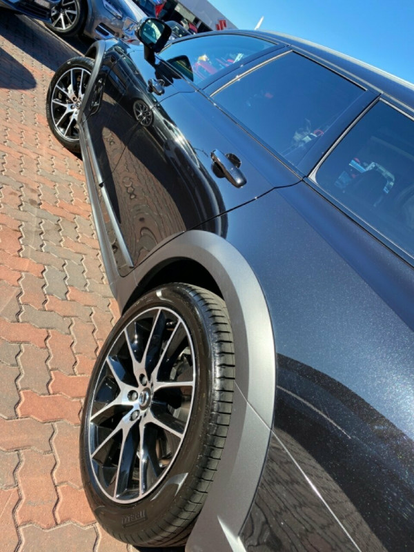2019 MY20 Volvo V90 Cross Country P Series D5 Suv Image 5