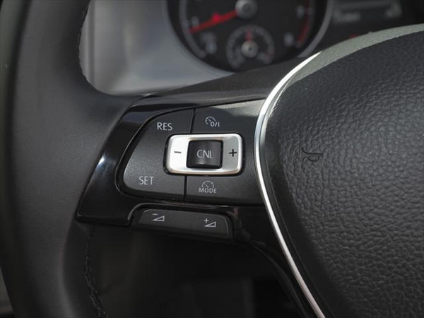 2013 Volkswagen Golf 7 90TSI Comfortline Hatchback image 12