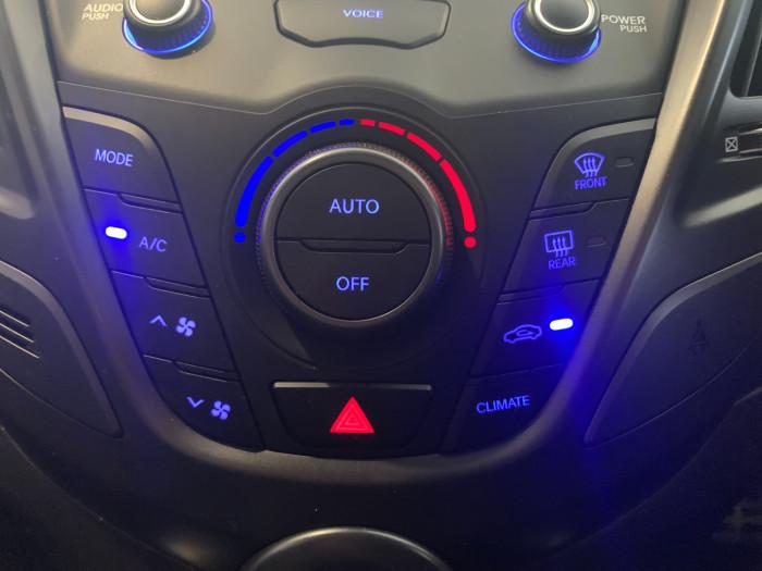 2017 Hyundai Veloster FS5 Series II SR Hatchback Image 14