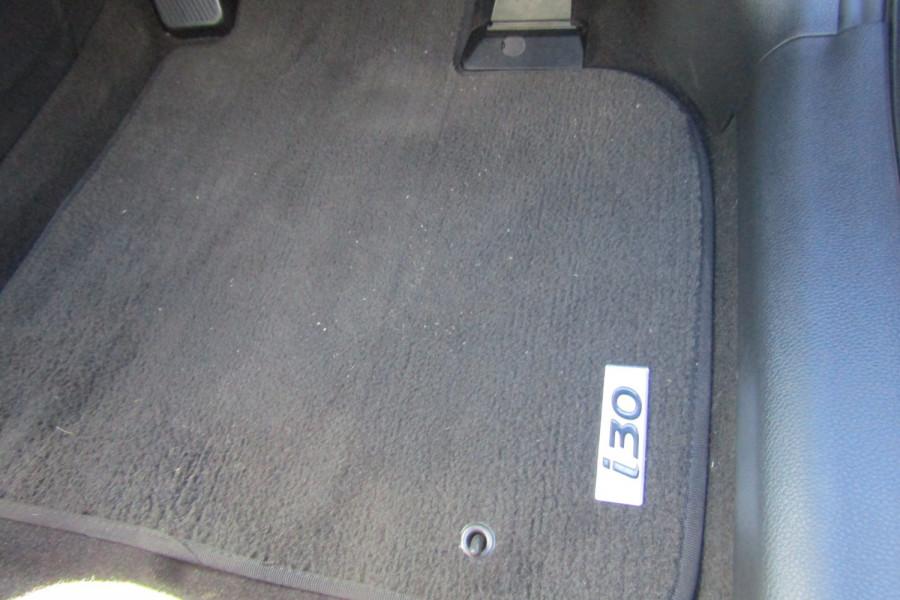 2013 MY14 Hyundai i30 GD2 Premium Hatchback Image 25