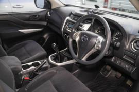 2015 Nissan Navara D23 RX Cab chassis Image 4