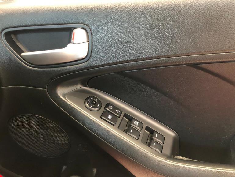 2015 Kia Cerato YD S Hatchback Image 8