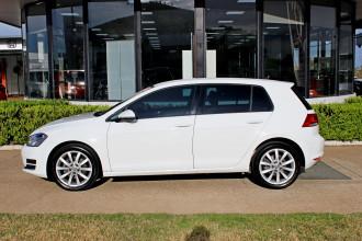 2013 Volkswagen Golf VII 110TDI 110TDI - Highline Hatchback Image 5