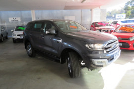 Ford Everest Trend RWD UA