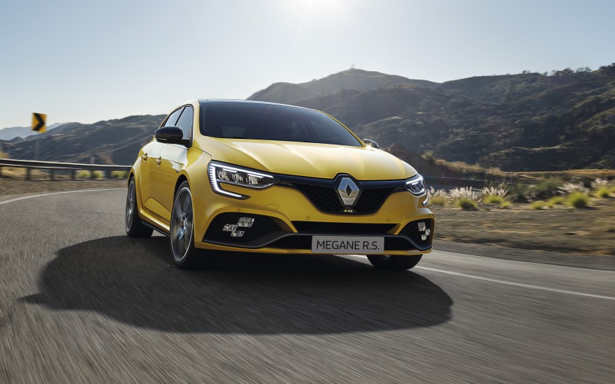 Megane R.S. Looks to thrill