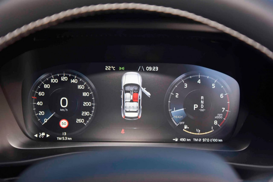 2019 [SOLD]    Mobile Image 13