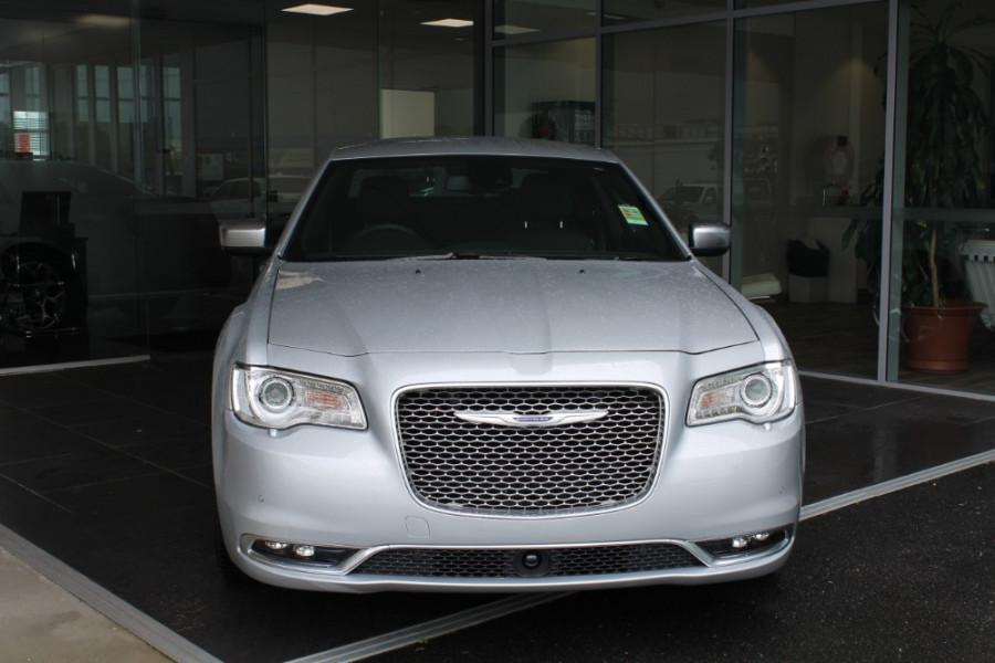 2020 MY19 Chrysler 300 LX C Luxury Sedan Image 3