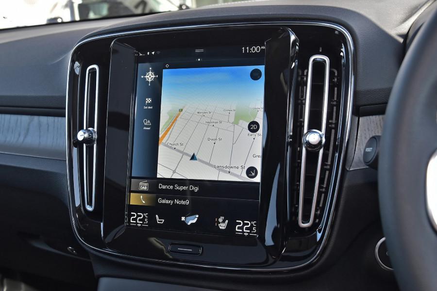 2019 Volvo XC40 XZ T4 Inscription Suv Mobile Image 13