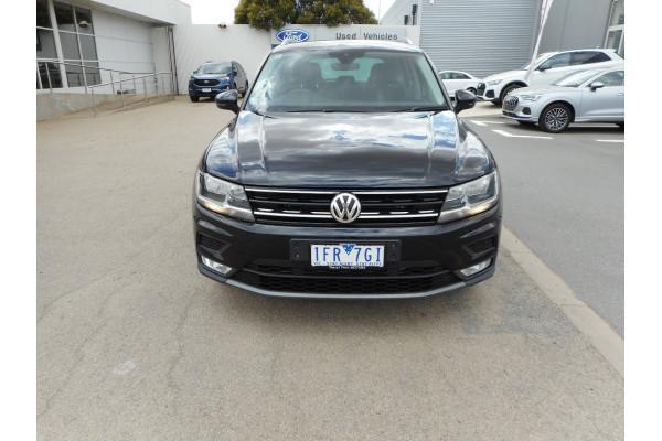 2017 Volkswagen Tiguan Suv Image 3