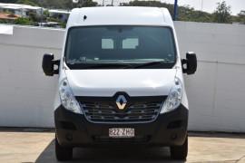 2019 Renault Master Van X62 Medium Wheelbase Van Image 2