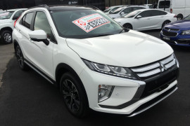 Mitsubishi Eclipse Cross Exceed YA Turbo