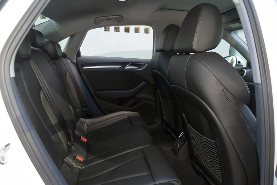 2019 Audi A3 40 S-line 2.0L TFSI S-tronic 140kW Sedan Mobile Image 8