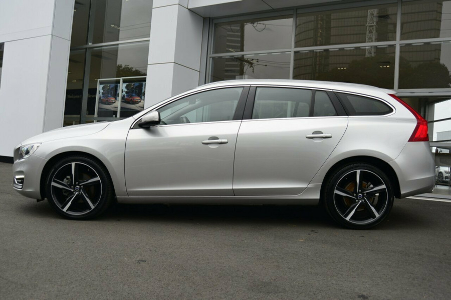2013 MY14 Volvo V60 F Series MY14 D4 Geartronic Luxury Wagon Image 16