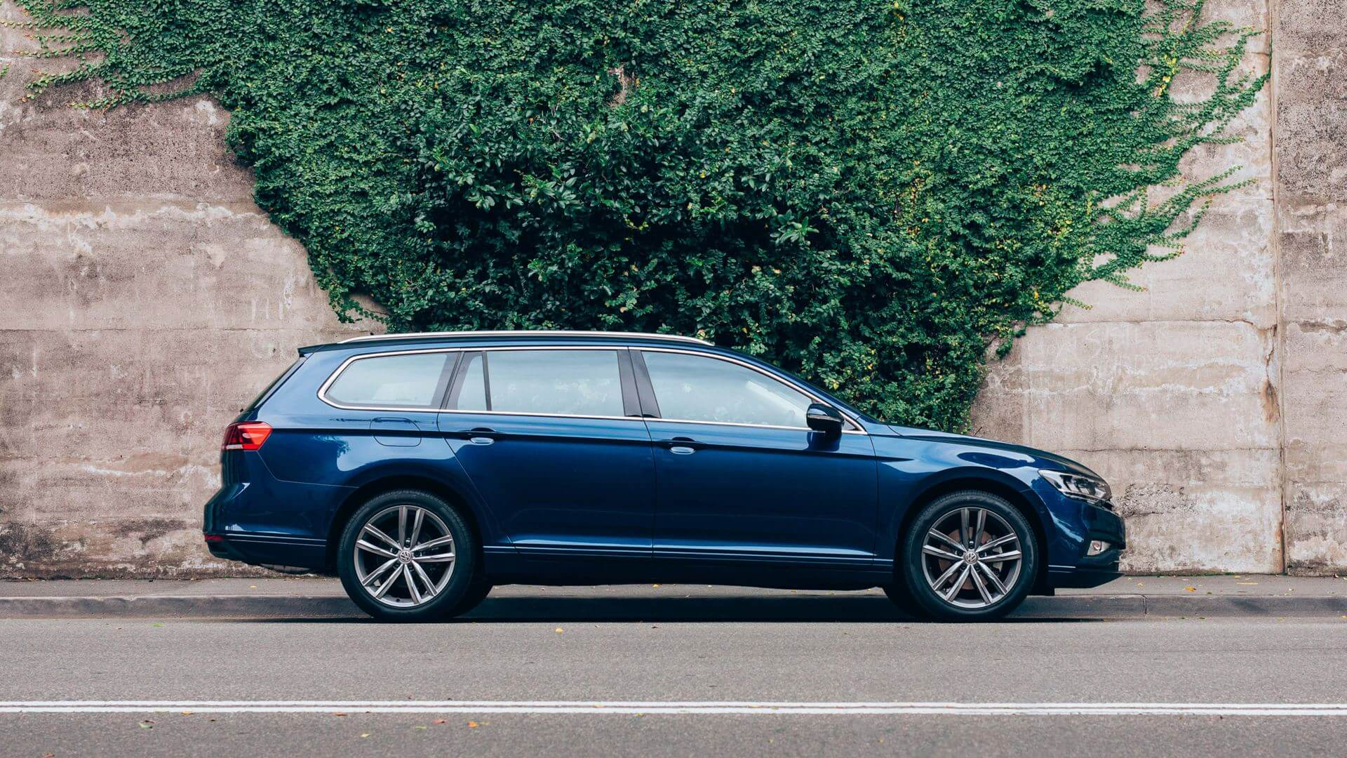 <Passat Wagon</strong><br>The Passat with more space Image