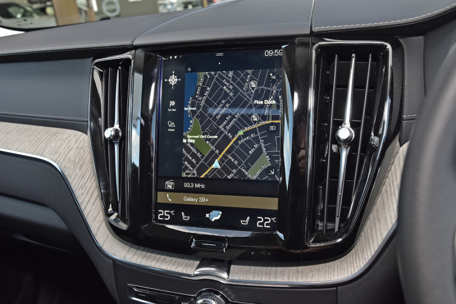 2019 Volvo XC60 UZ D4 Inscription Suv Mobile Image 13