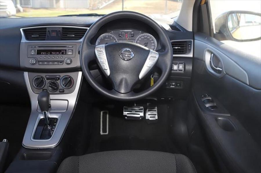 2014 Nissan Pulsar C12 ST Hatchback Image 14