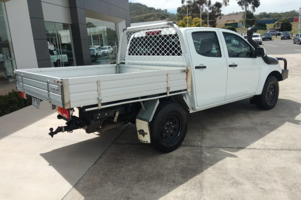 2018 MY17 Isuzu Ute D-MAX MY17 SX Cab chassis Mobile Image 7