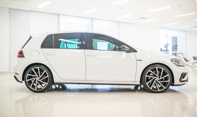 2017 MY18 Volkswagen Golf 7.5 R Grid Edition Hatch Image 3