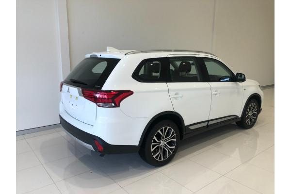 2017 Mitsubishi Outlander ZL ES Awd wagon Image 4