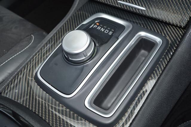 2018 Chrysler 300 SRT Hyperblack