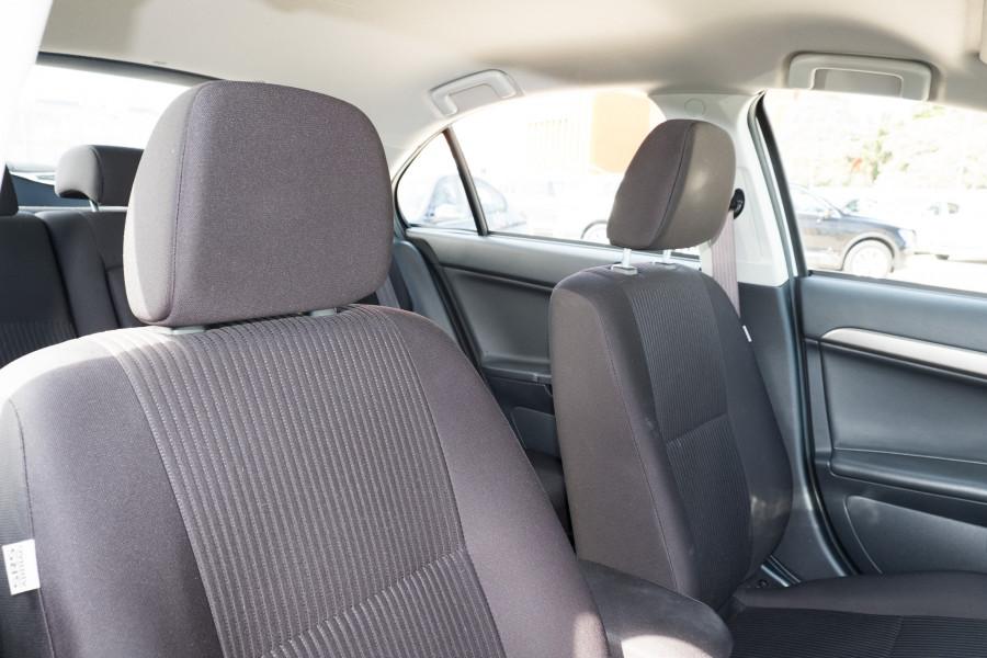 2013 Mitsubishi Lancer Image 13