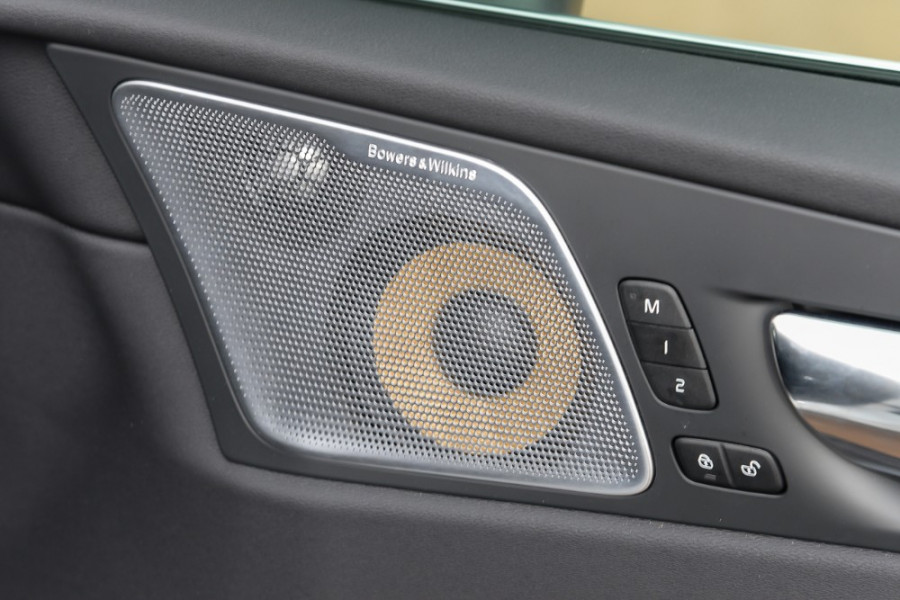 2018 MY19 Volvo XC60 UZ D5 R-Design Suv Mobile Image 17