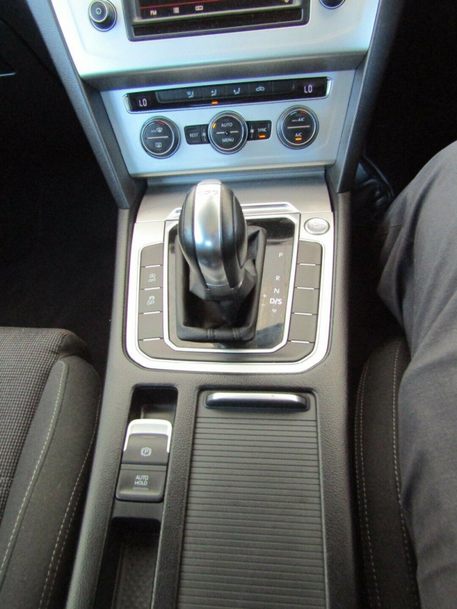 2015 MY16 Volkswagen Passat 3C (B8) MY16 132TSI DSG Sedan Mobile Image 14