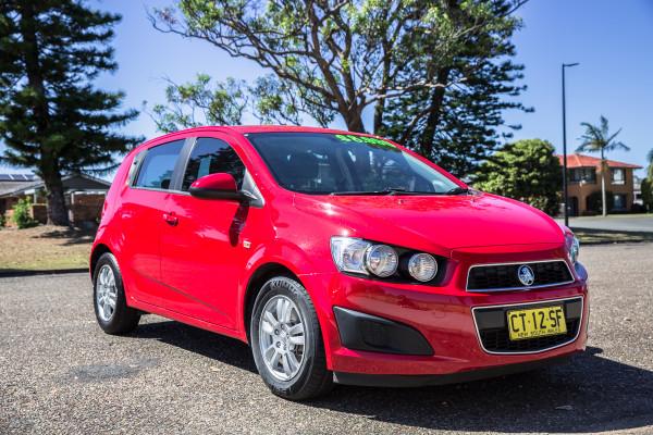 2014 MY15 Holden Barina TM  CD Hatchback Image 2