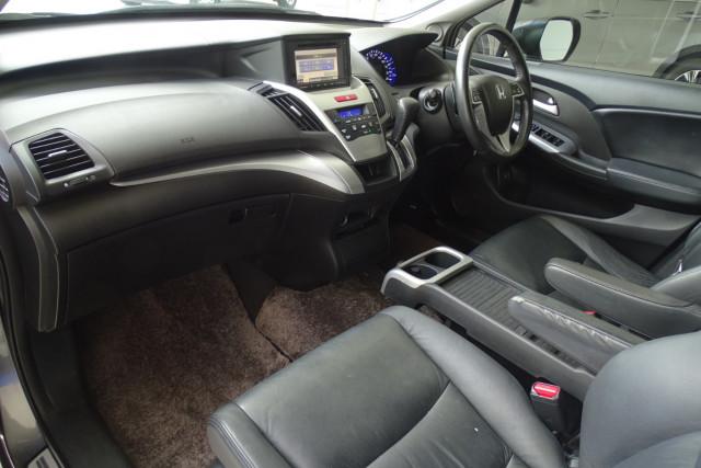 2011 Honda Odyssey Luxury 6 of 30