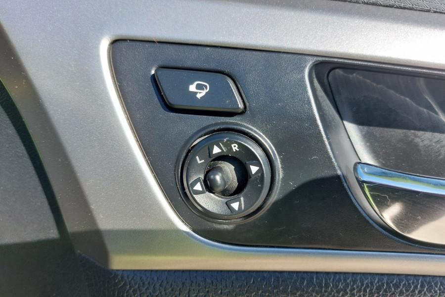 2012 Hyundai Veloster FS2 + Hatchback Image 22