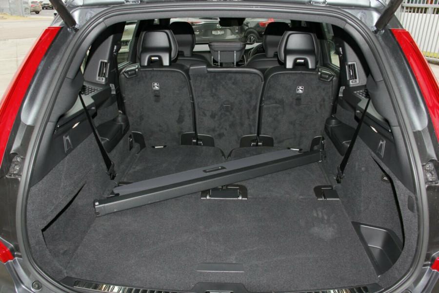 2018 Volvo XC90 L Series D5 R-Design Suv Mobile Image 19