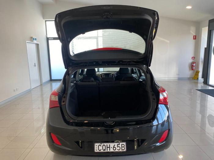2013 Hyundai I30 GD Active Hatchback Image 8
